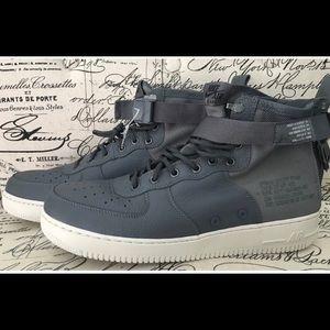 plus de photos 652f5 b2a08 NEW Nike SF Air Force 1 Mid Men's Size 12.5 Gray NWT